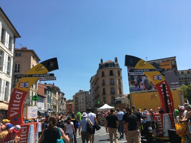TDF arche depart officiel Puy en Velay